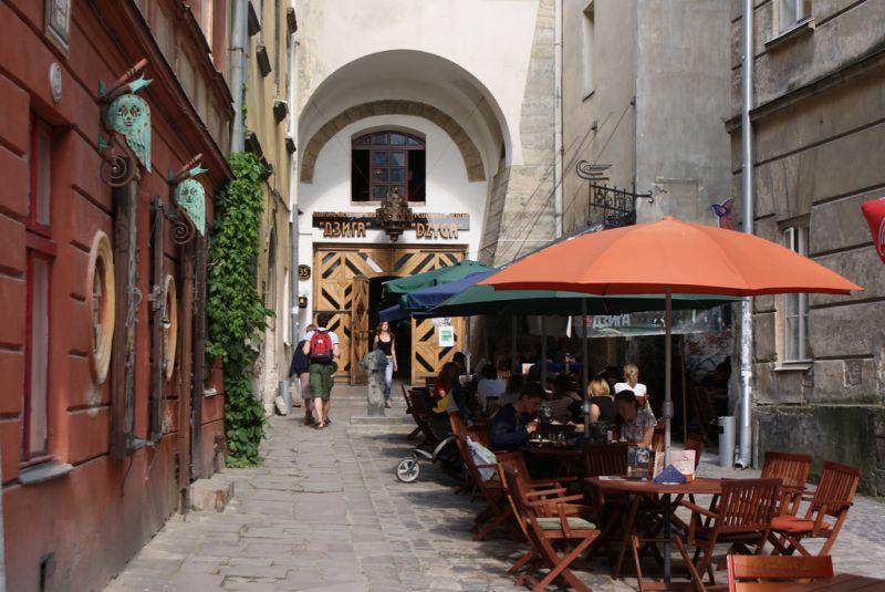 Art community Dzyga, Lviv, str. Virmenska, 35, (032) 297-56-12, Контакти:  +38 (050) 379 99 69, +38 (067) 672 74 64
